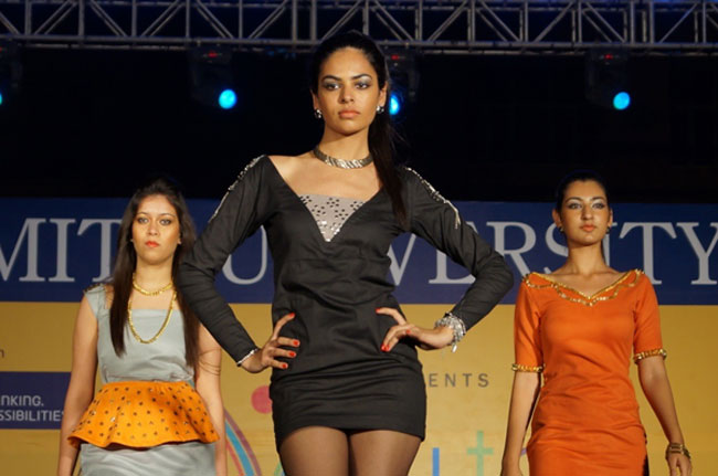 Amity School Of Fashion Technology