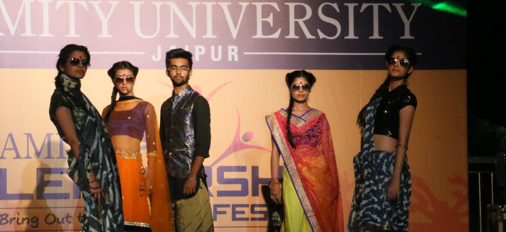 Amity School Of Fashion Technology Amity University Noida School Style